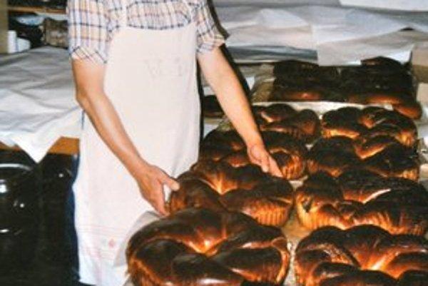 Vladimír v akcii. S tradičnými polomskými koláčmi.