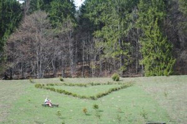 Záhrada. Takéto srdce z lásky majú na záhrade manželia Poradovci