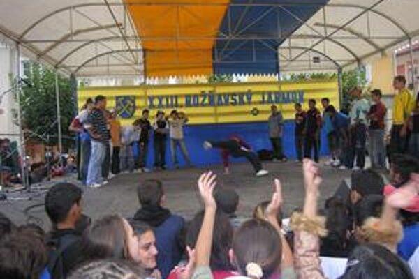 Kultúrny program. Na pódiu by svoj koncert mala odohrať aj skupina Tublatanka.