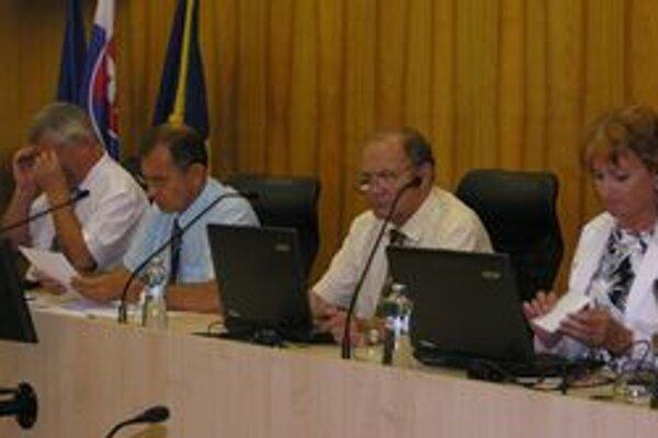 Vedenie mesta sa bude musieť uspokojiť s 10-percentným preddavkom.