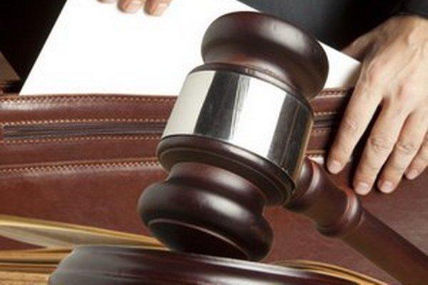 Spotrebiteľské združenia môžu nazerať do súdnych spisov bez súhlasu ľudí, ktorých sa spor týka.