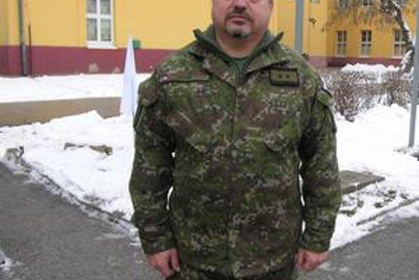 Stanislav Štecák. Veliteľ práporu RCHBO v Rožňave tvrdí, že na mierovú misii boli vybraní tí najlepší vojaci.