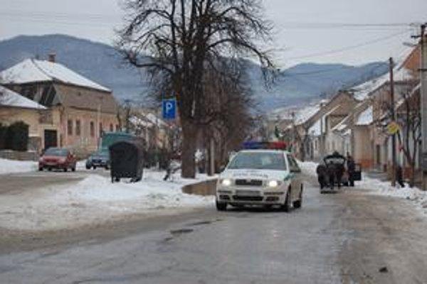 Horia vášne. Problémy medzi majoritou a minoritou sú dlhodobé, po návšteve Kotlebu v Gemeri sa ešte vyhrotili.