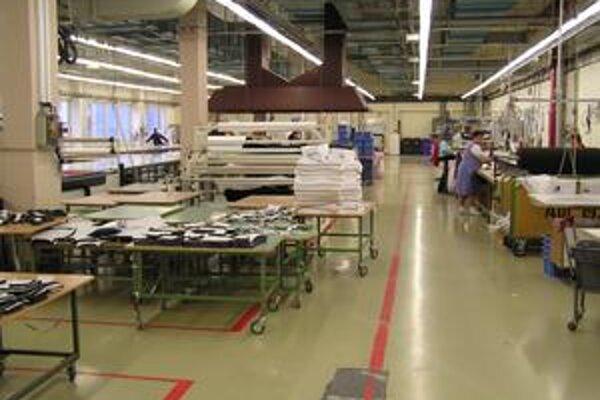 Gemtex. Firma už musela znížiť počet zamestnancov o polovicu, zbavila sa i nepotrebného majetku.