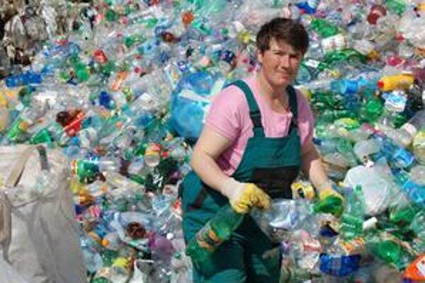 Plasty. Viceprimátor František Kardoš hovorí, že nitrianskej spoločnosti ide iba o to, aby plastový odpad z Betliara preniesli do Rožňavy.