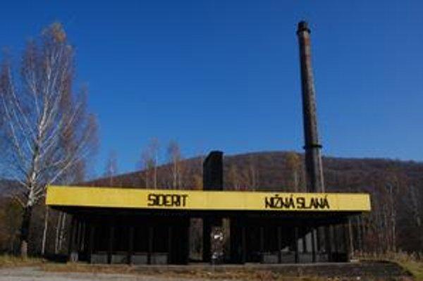 Siderit. Ľudia v Slanskej doline veria, že komín čoskoro začne dymiť.
