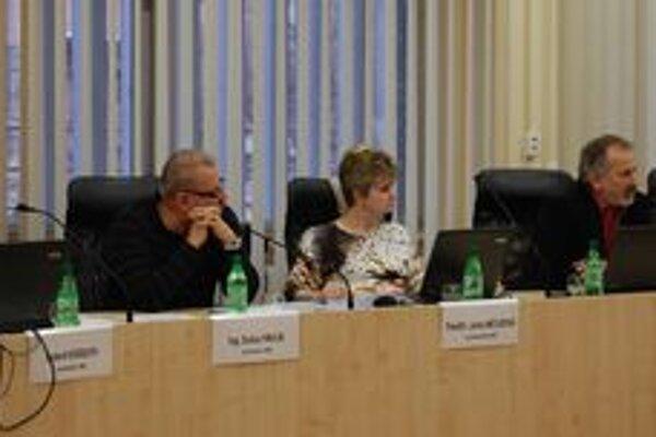 Za mesto aj za firmu. Ondrej Bolaček (vpravo) bol doteraz v dozornej rade Tekoru za firmu Stefe, teraz bude pre zmenu za mesto.
