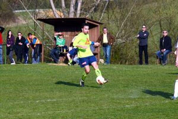Futbal a tenis. To sú dva športy, medzi ktorými sa Jaroslav Barczi pohybuje.