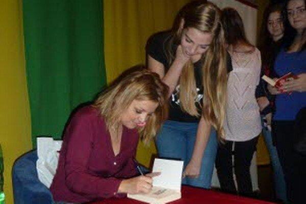 Eva Urbaníková mala v Prievidzi aj autogramiádu.