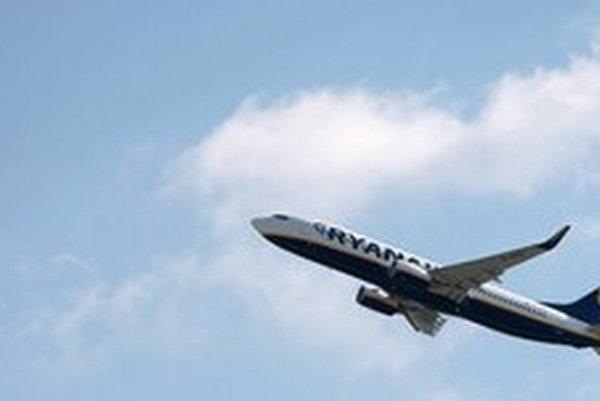 Odchýlky v hmotnosti lietadiel Ryanairu mali potvrdiť nemeckí  letoví dispečeri.