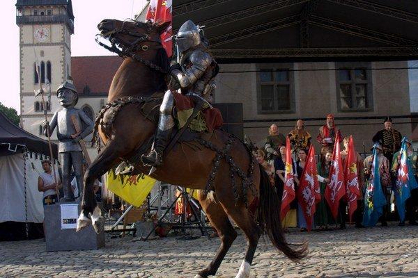 Tento rok prišiel aj rytier Roland a predviedol svoje rytierske umenie na koni.