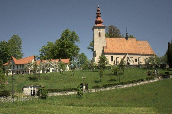 Pútnické miesto - kostol sv. Vojtecha na gaboltovskom kopci.