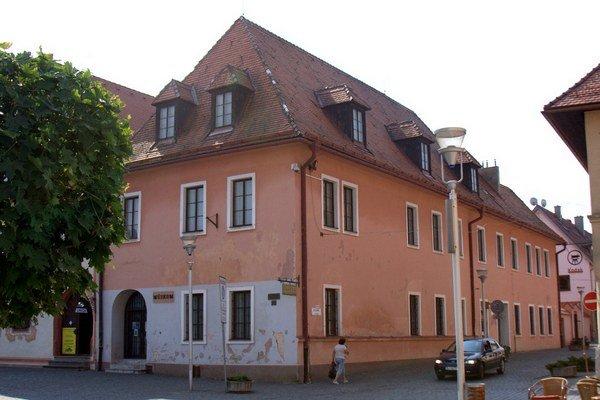 Dom č. 27 prejde kompletnou rekonštrukciou.
