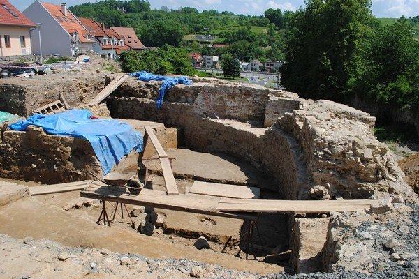 Archeologické práce finišujú. Objavili osídlenie zo 14. storočia.