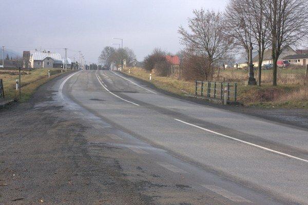 Začínať by mal za obcou Mokroluh. Niekde v týchto miestach bude napojený na cestu do Starej Ľubovne.