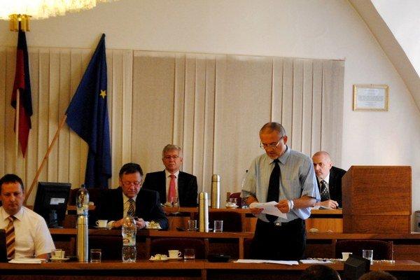 Ivan Leščišin predniesol návrh.