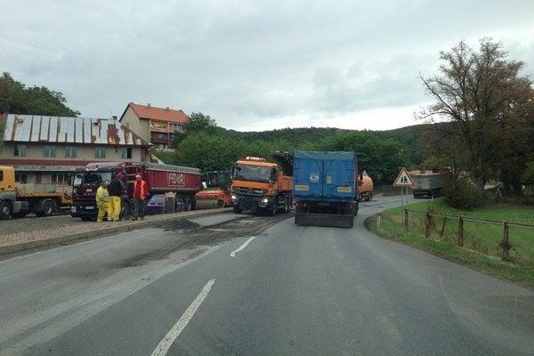 """Na súčasnej ceste spájajúcej Prešov so Svidníkom často vzniká dopravný kolaps, ktorému by mala zamedziť """"erštvorka""""."""