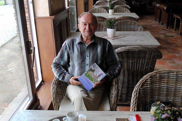 Emil Balaščák už pripravuje ďalšiu knihu.