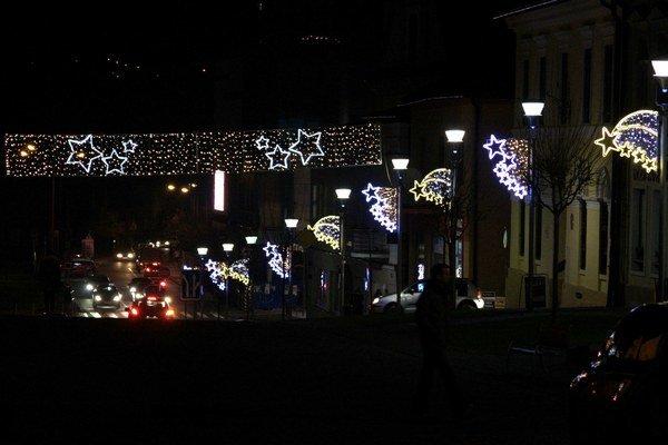 Vianočná výzdoba v Bardejove sa každým rokom rozširuje.