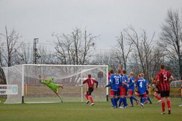 Bardejovčania udržali čisté konto. Ani z tohto piameho kopu nedostal Partizán v Liptovskom Mikuláši gól.