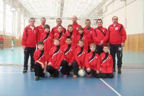 FK Drustav Svidník. Staršia prípravka bola na turnaji v meste Luck.