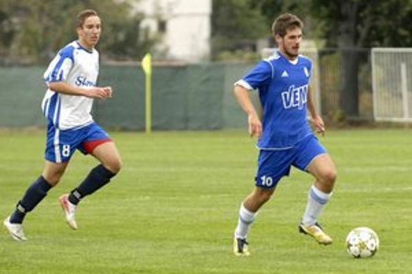 Strelec. Víťazný gól Giraltovčanov zaznamenal Verčimák (vľavo).