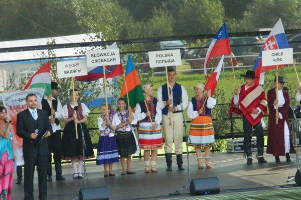 Kurov. Na medzinárodnom festivale v Kurove sa prezentovali domáce aj zahraničné súbory.