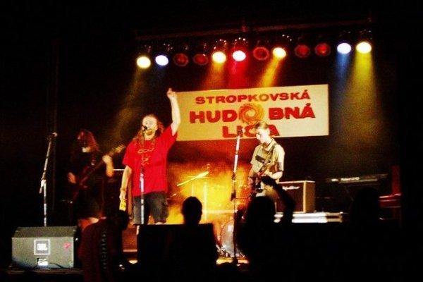 Heľenine oči. Na snímke z prvého ročníka Stropkovskej hudobnej ligy.