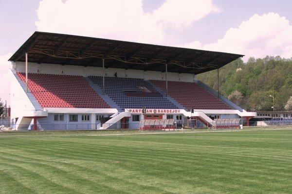 Bardejovský štadión. Na jeho rekonštrukciu si mesto požičia pol milióna eur.