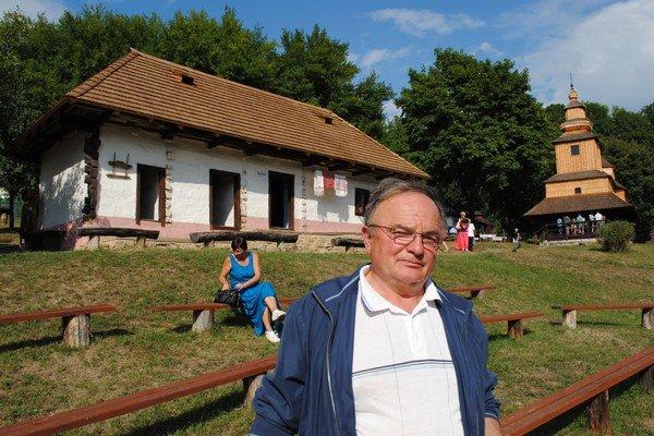 Štefan Suchý. V skanzene stojí jeho rodný dom.