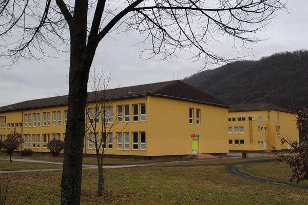 Základná škola 1. mája. Je už len elokovaným pracoviskom.