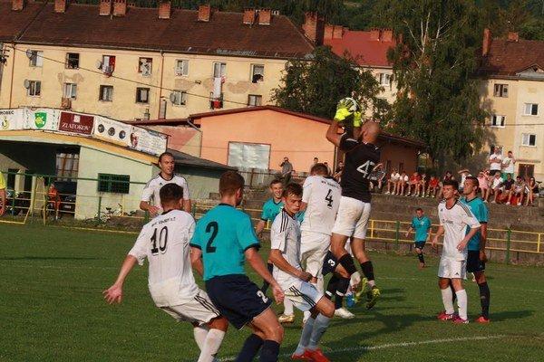 MFK Snina začína jar vo Vranove nad Topľou. Minulé leto ho porazila hladko.