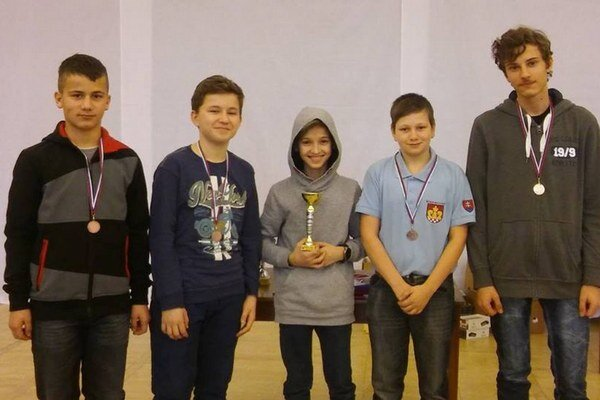 Najlepší šachisti. Bodovali juniori aModry aj Belej nad Cirochou.