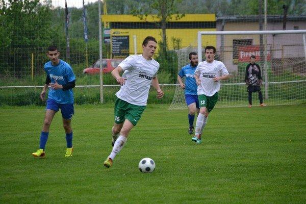 Kamenica nad Cirochou-Stakčín 3:0 (2:0). Hralo sa prakticky na jednu bránu.