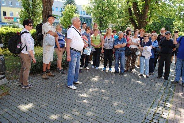 Humenské chodníčky. O živote židovskej komunity hovoril Juraj Levický.