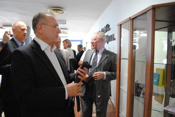 Vynašli sa. Oto Sabo a Juraj Bober venovali kravaty.