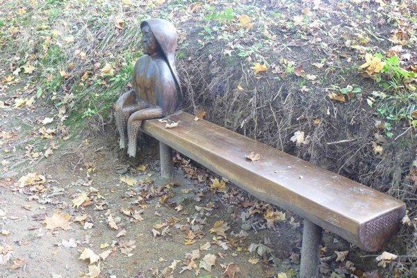 Prisadnete si? Dievča s kačacími nohami bolo podľa povesti zlé a panovačné.
