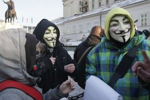 Predtým, ako rozhodol poľský premiér Donald Tusk o zastavení dohody ACTA, protestovali proti nej ľudia vo Varšave.