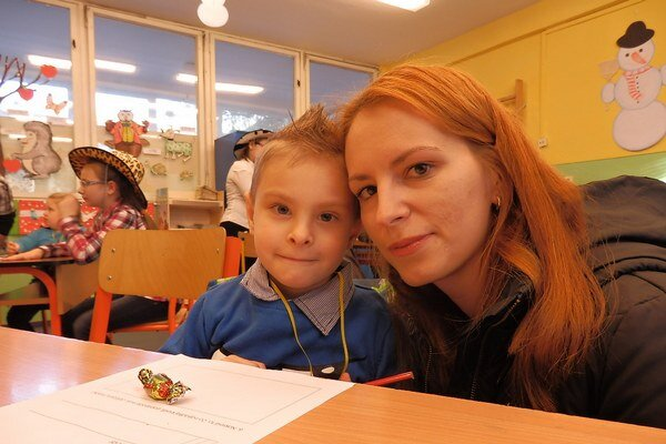 Borisko Humeník s mamou Zuzanou.