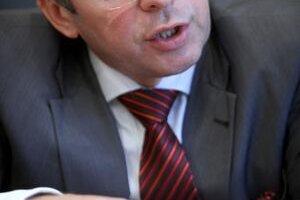 Minister financií Ivan Mikloš na Finačnom výbore zopakoval, že systém funguje, ale nie optimálne. Zodpovednosť za súčasný stav nesie firma Novitech, ktorá neposkytla súčinnosť pri presune dát zo starého systému na nový. Vinu podľa neho nesie aj bývalé