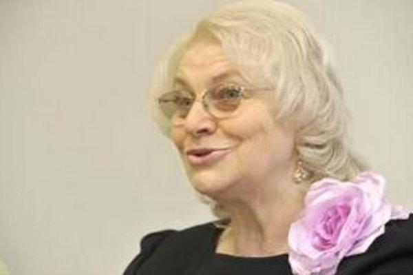 Exministerka práce za Smer Viera Tomanová zákon v pléne ostro kritizovala. Použila slová ako genocída alebo manifest Marxa a Engelsa.