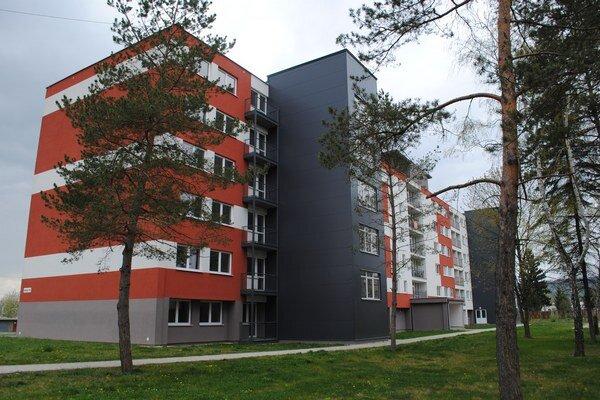 V prvej časti zrekonštruovaného bývalého internátu ľudia bojujú s vysokým nájomným. Druhá časť získala ocenenie za efektivitu využitia priestoru.