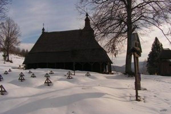 Dočasné miesto. Expozícia je v tomto drevenom chráme sv. Michaela Archanjela v Topoli.