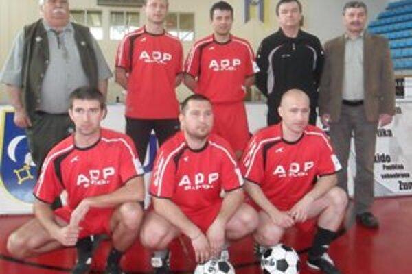 ŠK Laborec Humenné. Po prvom turnaji Interligy drží postupovú play-off miestenku.