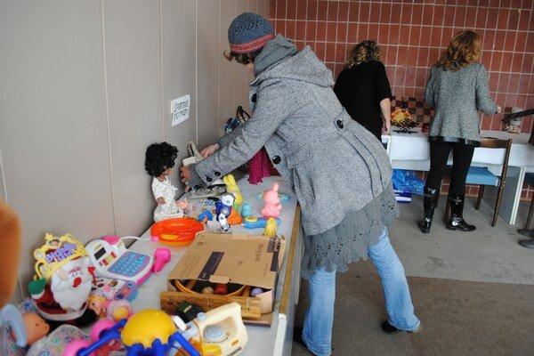 Rôzne predmety. Nechýbali hračky, kuchynské a športové potreby a knihy.
