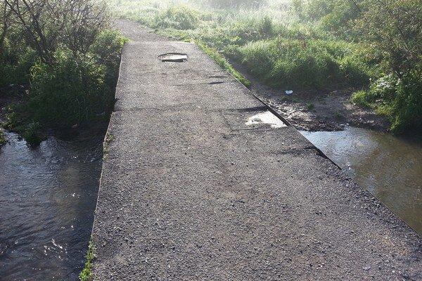 Most v osade. Takto vyzeral pred rekonštrukciou.