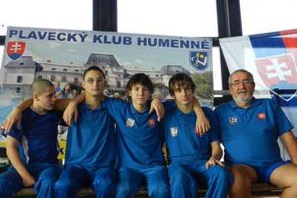 Chemesáci na šampionáte. Zľava Hodbod, Mabjak, Micikaš, Levický a tréner Tomahogh.