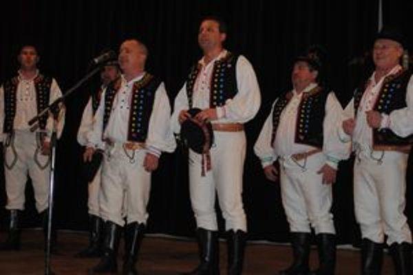 V plnom nasadení. Hačure sa predstavili divákom na vianočnom koncerte Ruthenika v Humennom.
