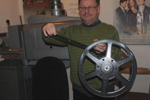 """Koniec éry. """"Filmy na 35–milimetrových pásoch končia,"""" upozorňuje Andráško."""