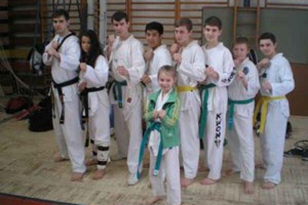 Taekwondo klub Humenné. Sezónu začal troma prvenstvami.